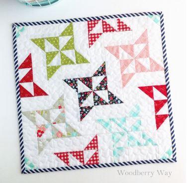 Star pinwheel mini quilt free sewing pattern