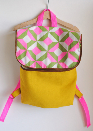 Kid's fabric backpack free sewing pattern