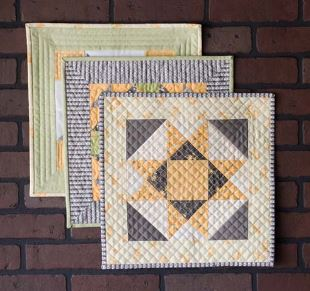 Mini quilt with star design free pattern