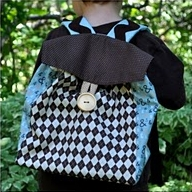 Boy backpack with button closure free sewing pattern
