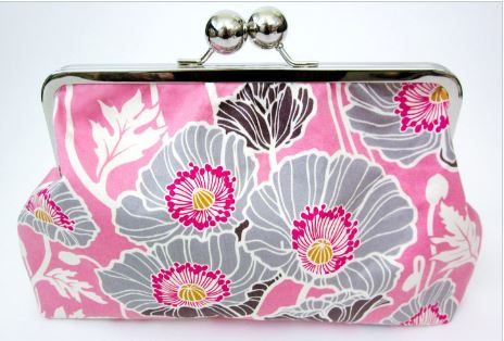 Clutch purse with metal frame clasp closure free sewing pattern