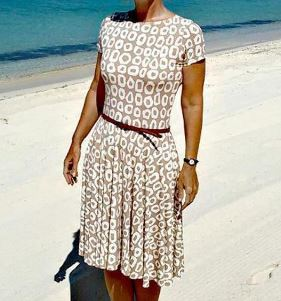Womens short sleeve dress with flared skirt sewing pattern