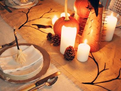 Halloween table runner from burlap free sewing pattern