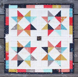 Star triangle mini quilt free pattern