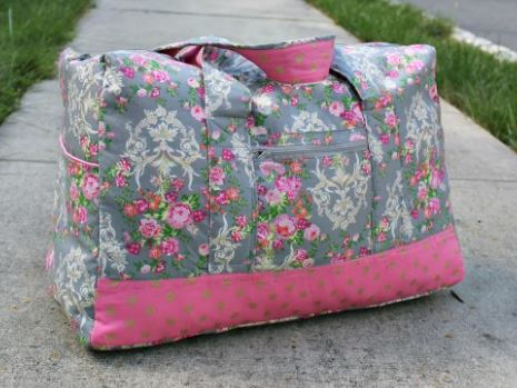 Square duffle bag free sewing pattern