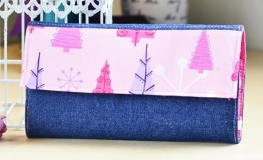 Fabric foldover wallet free sewing pattern