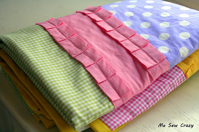 Easy ruffle baby quilt free pattern
