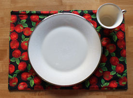 Simple easy fabric placemat free sewing pattern