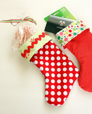 Easy christmas stocking with cuff free sewing pattern