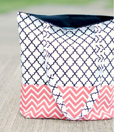 Easy lined flat bottom tote bag free sewing pattern