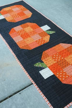 Fall table runner with pumpkin motif free sewing pattern