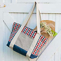 Flat bottom tote with outer pocket free sewing pattern