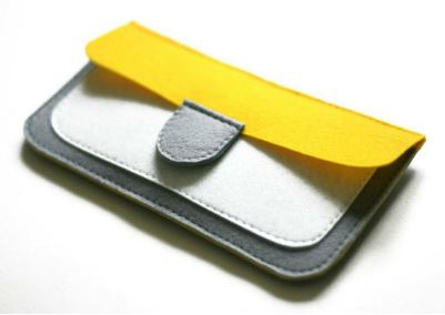 Felt wallet with flap closure free sewing pattern