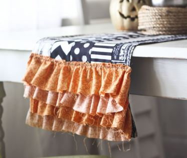 Halloween table runner with ruffles free sewing pattern