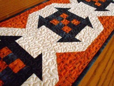 Modern Halloween pumpkin table runner free sewing pattern