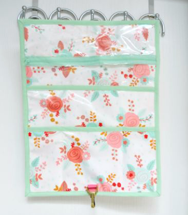Hanging travel toiletry bag free sewing pattern