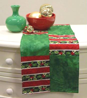 Simple holiday table runner free pattern