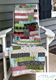 Horizontal strip quilt from jelly roll fabric free sewing pattern