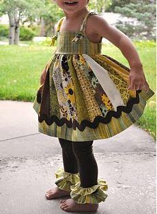 Girls jumper dress with leggings free sewing pattern