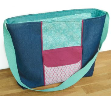 Wide tote bag with zipper and long handle free sewing pattern