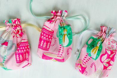 Mini drawstring bags sewing pattern