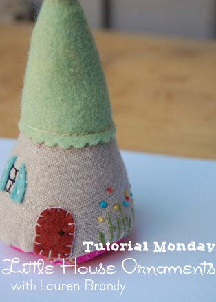 Felt house holiday ornament free sewing pattern