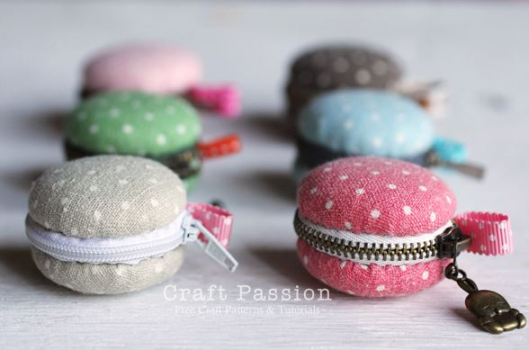 Small zipper macaron coin purse from fabric scraps sewing project