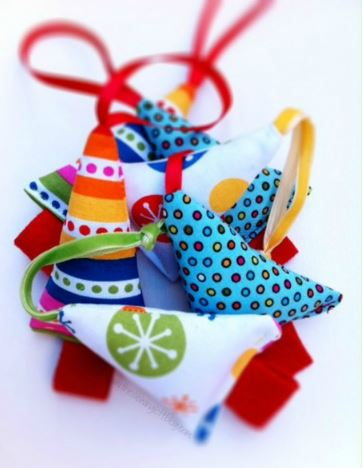 Holiday Christmas ornaments from fabric scraps free sewing pattern