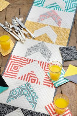 Modern table runner with abstract graphic free sewing pattern