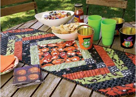 Hallween table runner from strips of fabric free sewing pattern