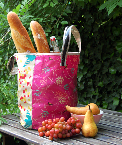 Grocery tote bag from oilcloth free sewing pattern