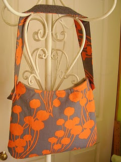 Quick and easy hobo bag free sewing pattern