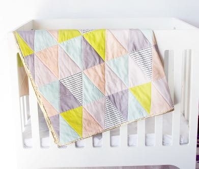 Easy baby quilt sewing pattern triangle design