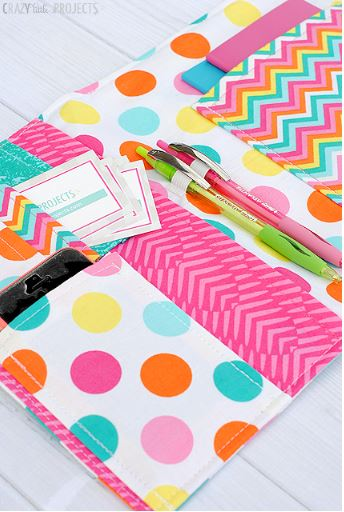Fabric notebook cover with pockets free sewing pattern