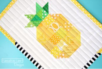 Mini quilt with pineapple design free pattern