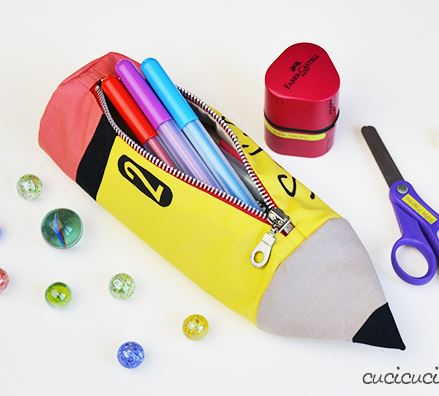 Pencil-shaped zipper pencil pouch free sewing pattern