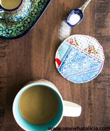Quilted coaster from fabric scraps free sewing pattern
