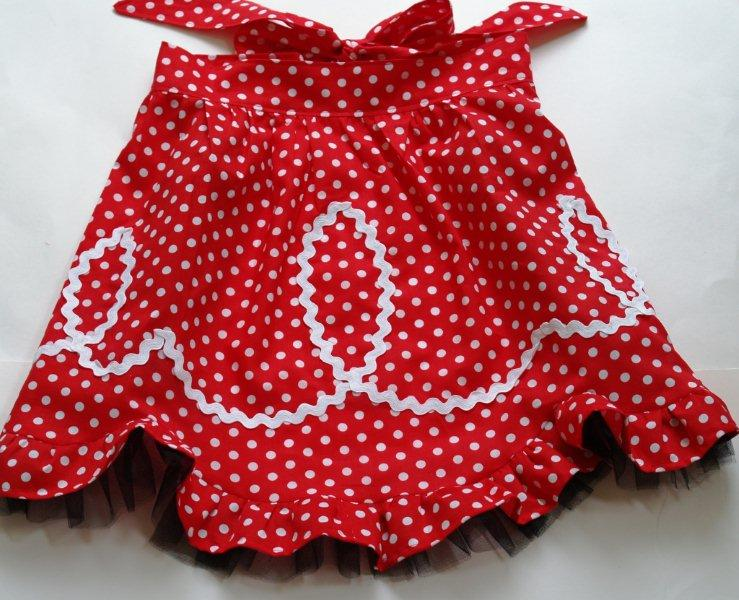 Vintage half apron with ric rac and ruffles free sewing pattern