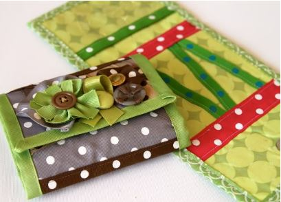 Foldover wallet from ribbon scraps free sewing pattern