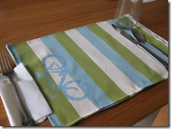Simple fabric placemat free sewing pattern