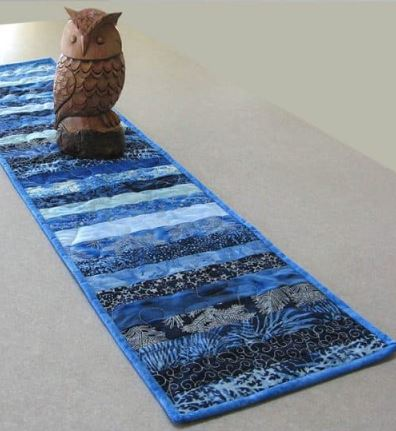 Skinny table runner from jelly roll strips free sewing pattern