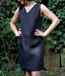 Womens sleeveless v-neck shift dress free sewing pattern