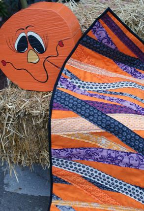 Halloween table runner from fabric strips free sewing pattern