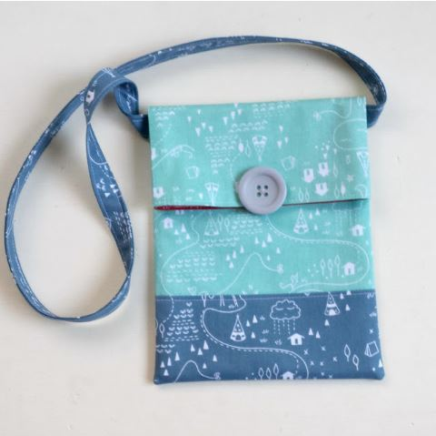Easy messenger sling bag with button closure sewing pattern