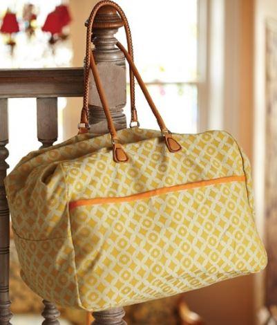 Easy weekend duffle bag free sewing pattern