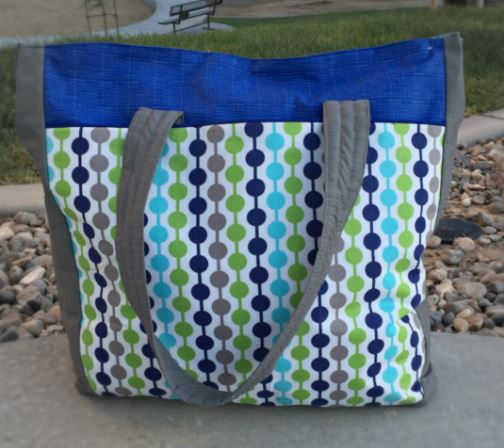 Large tote bag with top zipper close free sewing pattern