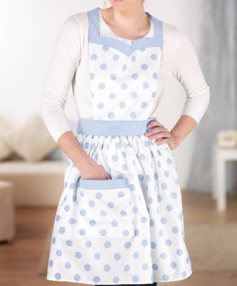 Full vintage apron with gathered waist and pocket free sewing pattern