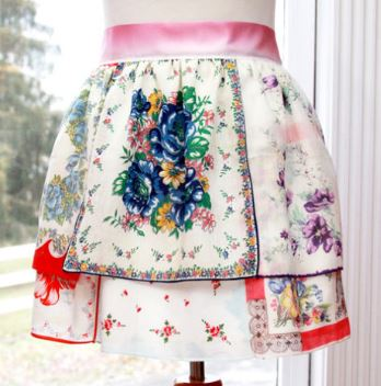 Vintage half apron from handkerchief free sewing pattern