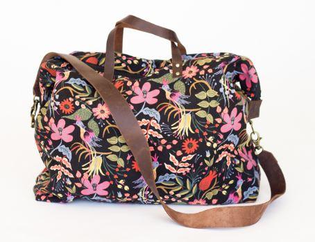 Weekender duffle bag free sewing pattern