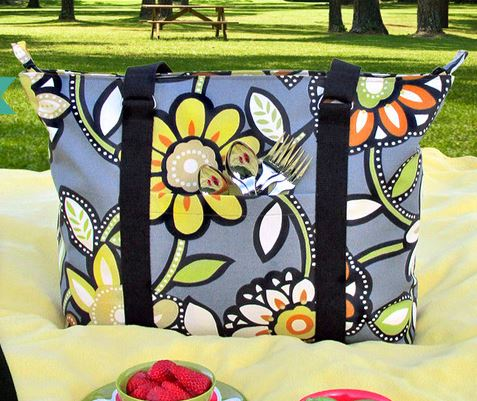 Wide insulated picnic tote bag with pockets free sewing pattern